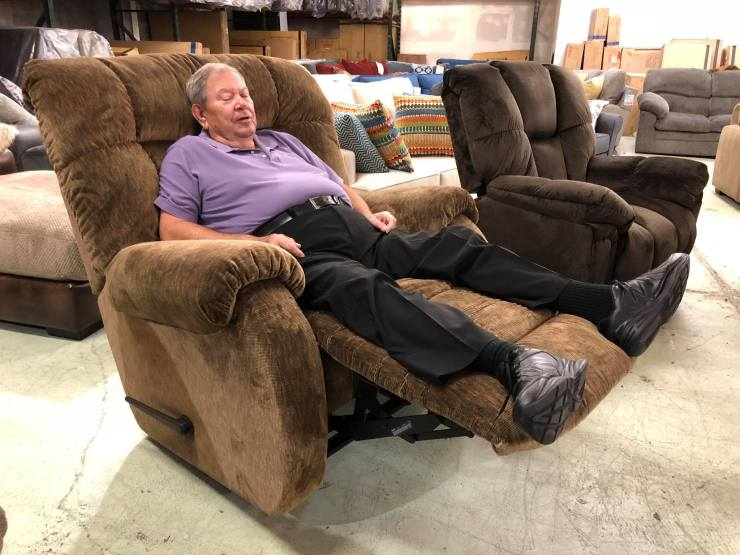 Fred Willman recliner simplicity furniture evansville