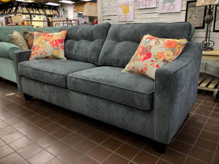 queen sleeper sofa pat cosletts simplicity furniture evansville
