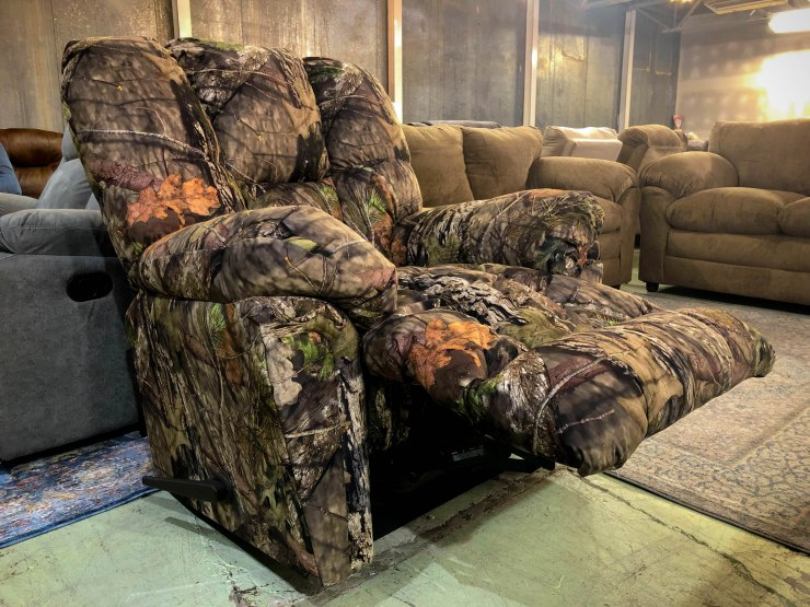 mossy oak camo chair pat cosletts simplicity furniture evansville