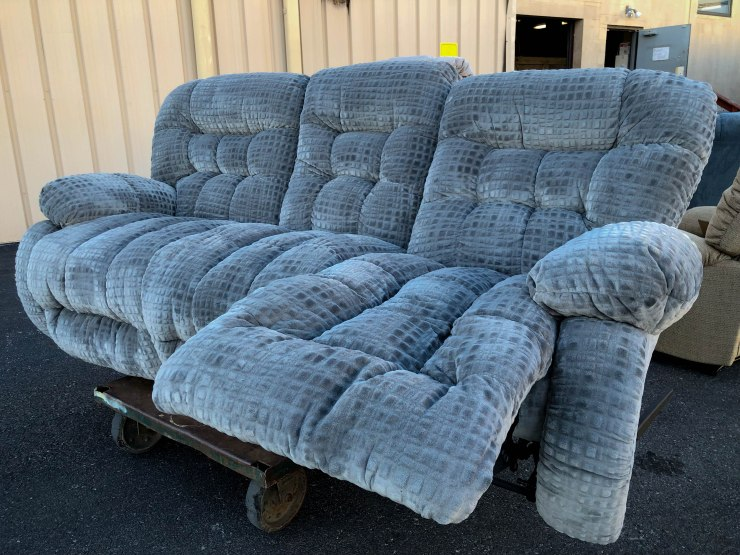 sofa couch pat cosletts simplicity furniture evansville